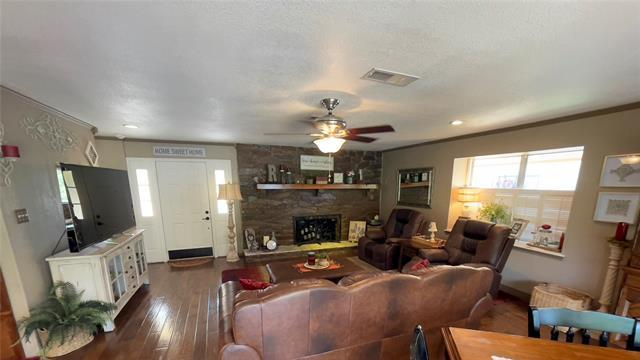 Picture for Check out these Granbury homes on the market