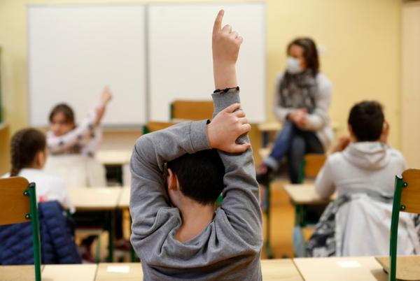 Picture for Judge tells Knox County Schools to enforce mask mandate, blocks governor's opt-out