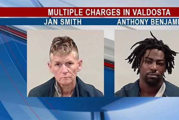 Picture for Valdosta shoplifting call leads to felony arrests