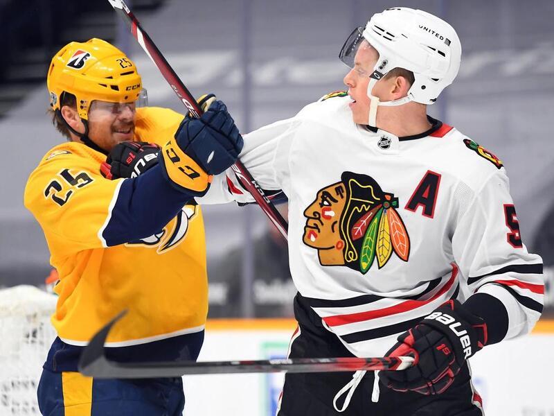chicago-blackhawks-defenseman-connor-murphy-hip-out-10-14-days