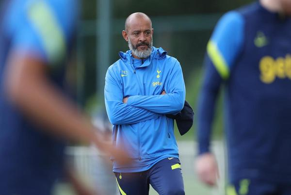 Picture for Pundit can't believe Tottenham could sack Nuno after 'Knives Out' update