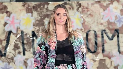 Jodie Kidd Makes Her Return To The Catwalk After Ten Years For Glam London Fashion Week Show Following Battle With Anxiety News Break