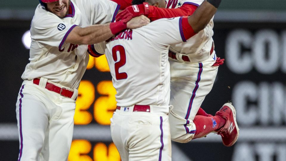 Picture for Trio of walkoffs helps Phillies move above .500