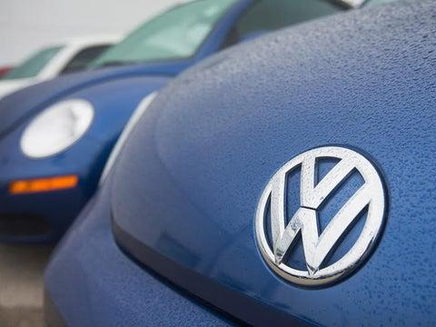 ceo-says-30k-volkswagen-jobs-could-be-lost-in-shift-to-evs-report-newsbreak