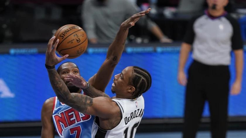 Picture for Clippers took aim at DeMar DeRozan, but Bulls get a deal done