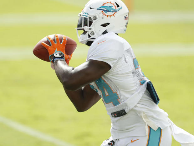 former-pro-bowl-rb-reportedly-signs-with-eagles