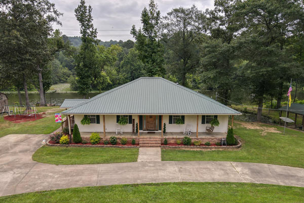 Picture for House hunt Jasper: See what's on the market now