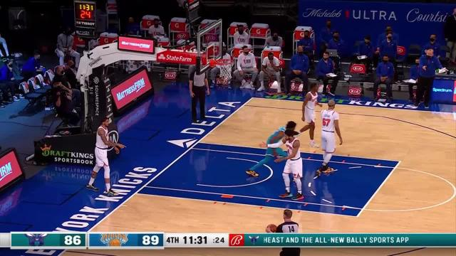 Picture for New York Knicks | Dunk by Jalen McDaniels