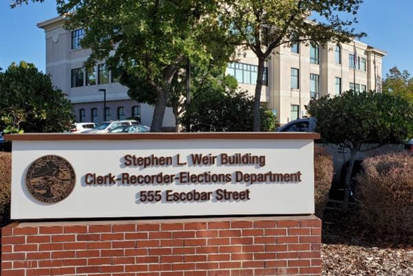 Picture for Contra Costa Clerk-Recorder-Elections facility to be dedicated as 'Stephen L. Weir Building'