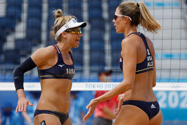Picture for US women's beach volleyball pair into quarterfinals