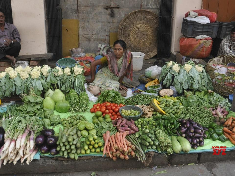 india-s-september-wholesale-price-inflation-eases-to-10-66-newsbreak
