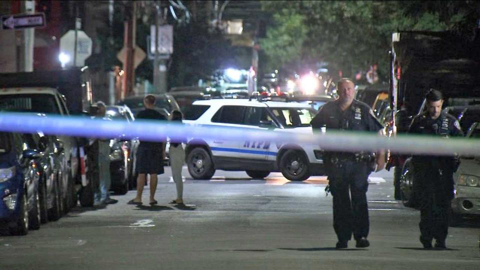 Picture for Brothers in car stabbed by suspects on e-scooters in Queens