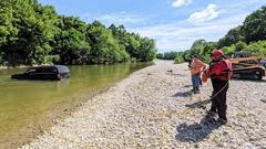 Cover for Sheriff: Suspect drives stolen vehicle into Great Miami River