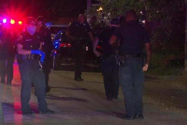 Picture for Man shot several times during street fight with boxing gloves in north Houston