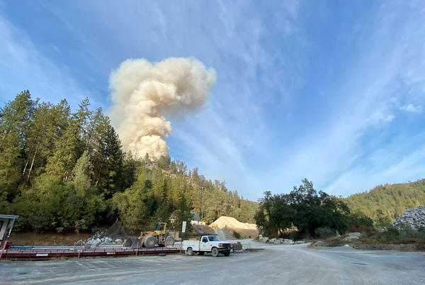 Picture for Fawn Fire grows to 60 acres near Mountain Gate