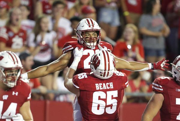 Picture for Jim Polzin: How a players-only meeting helped members of the Badgers' offense trust each other