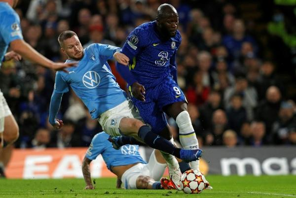 Picture for Lukaku injury mars Chelsea's thrashing of Malmo
