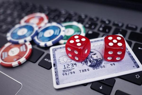 Picture for What Are The Variety Of Bonuses That Are Offered By The Online Casino To Their Customers?