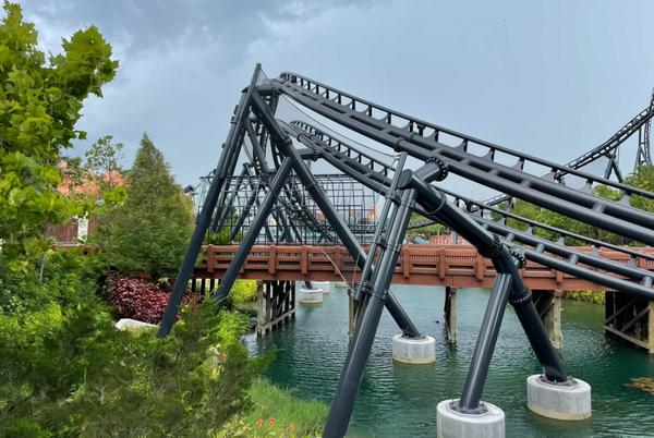 Picture for PHOTOS: Cage Added to Jurassic World VelociCoaster Bridge to Ensure Safety of Guests Below at Universal's Islands of Adventure
