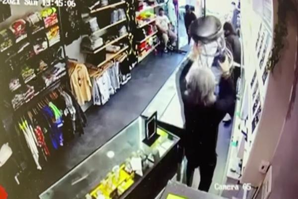Picture for Wild video shows stool-wielding hero chase off NYC jewel thieves