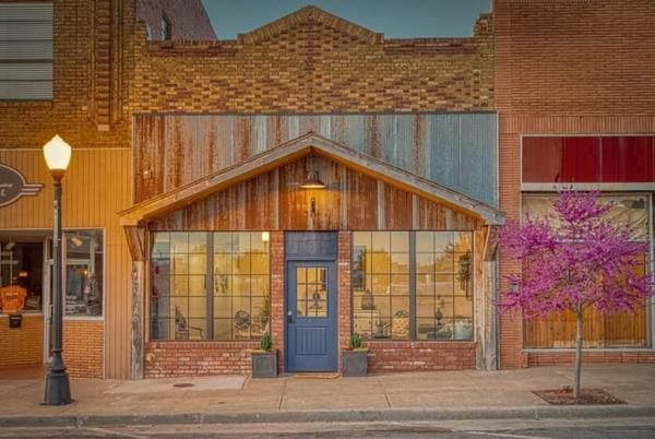 Picture for Stay Overnight In The Historic Bluebird Inn In Oklahoma For A Cozy Getaway