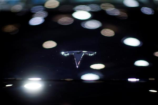 Picture for San Francisco raises Tesla 'self-driving' safety concerns as public test nears