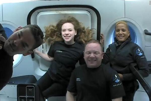 Picture for SpaceX capsule to return from orbit, capping off first tourism mission