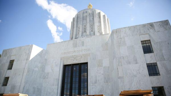Cover for New gun law in Oregon goes into effect: Here's what to know