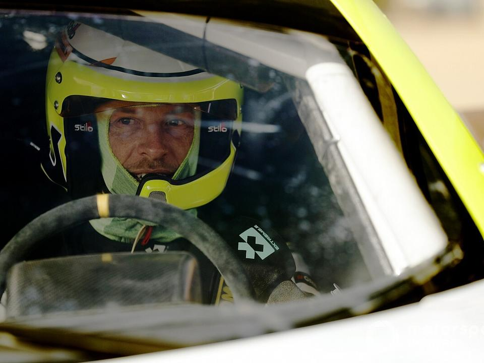 button-to-stand-down-from-senegal-xe-driving-duties-hansen-to-race
