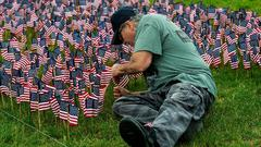 Cover for Volunteers plant 65,000 American flags ahead of Sunday ceremony in Falls