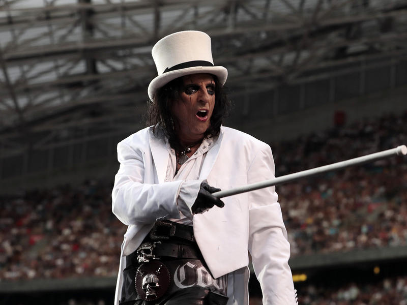 Alice Cooper: Only One Rock Musician Calls Me by My Birth ...