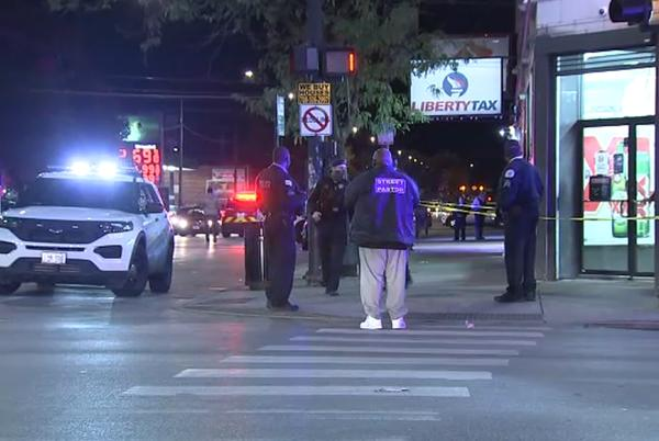 Picture for Chicago shooting: 5 people shot at Chatham liquor store near 79th, Cottage Grove