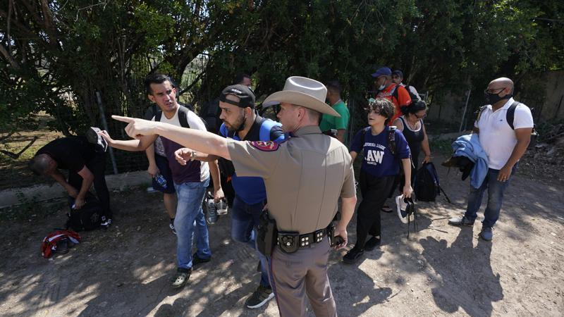 Picture for US sues Texas to block state troopers from stopping migrants