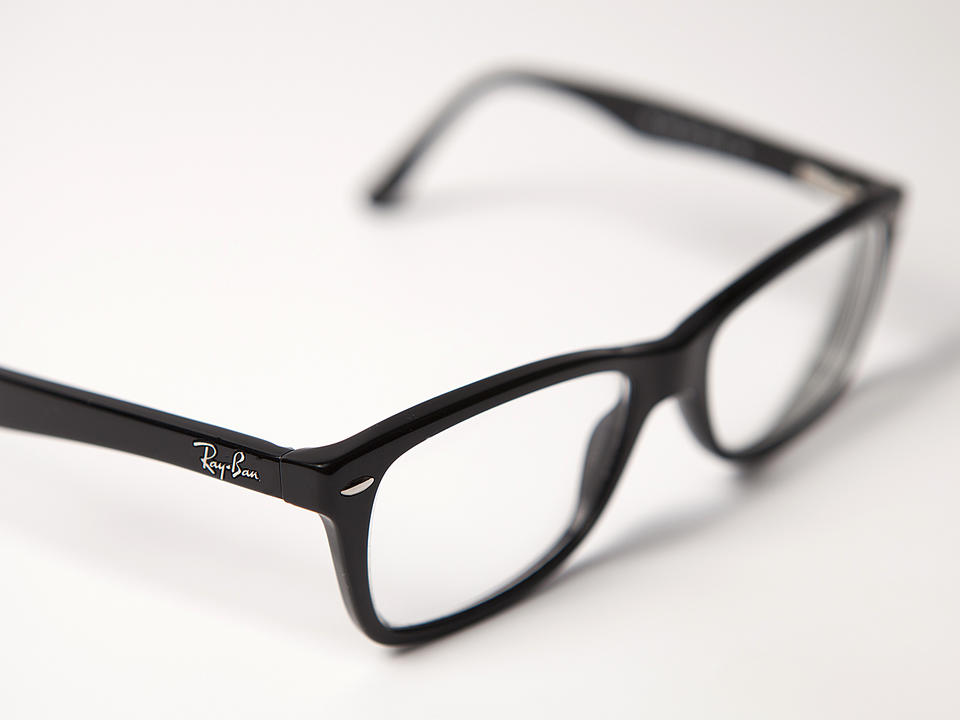 facebook-ray-ban-to-launch-smart-glasses-soon-they-let-you-do-some-pretty-neat-things