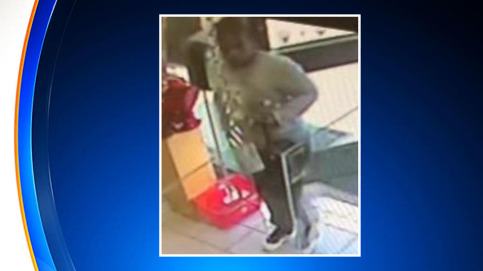 Picture for Police: Food, Drinks Fly After Woman Gets Into Argument With 7-Eleven Worker