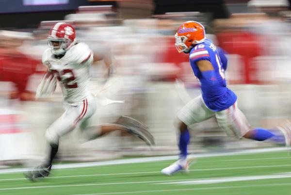 Picture for No. 1 Alabama football holds off No. 11 Florida Gators late rally to earn narrow 31-29 win