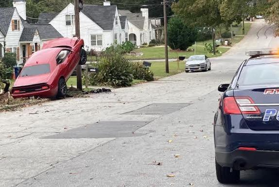 Picture for Car crashes into a power line in southwest Atlanta neighborhood