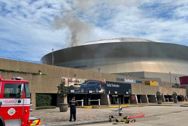 Picture for Fire, Smoke Seen on Caesars Superdome Roof Ahead of Saints' Return