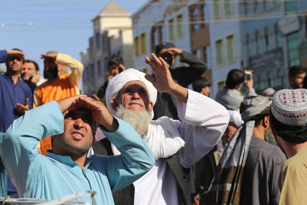 Picture for Taliban hang body in public; signal return to past tactics