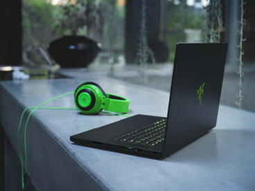 the-new-razer-blade-15-is-even-thinner-than-before-and-now-has-a-1080p-webcam