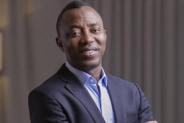 Picture for Omoyele Sowore Assaulted At Nnamdi Kanu's Trial (Video)