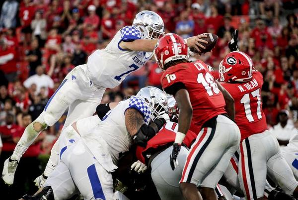 Picture for Bennett, Bowers, D lead No. 1 Georgia past Kentucky, 30-13
