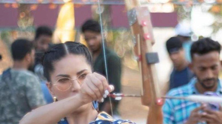 Picture for Sunny Leone takes aim for the heart in new post