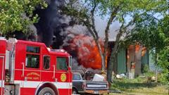Cover for Crews battle fire in vacant California, MO, business