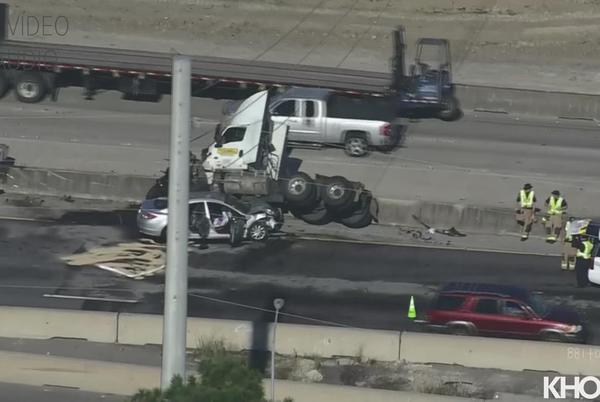 Picture for Crash on Gulf Freeway backed up traffic in both directions at Nasa Road 1