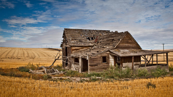 Cover for Oregon is home to more ghost towns than any other state