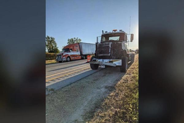 Picture for Three semis crash in Linn County after fourth causes traffic backup