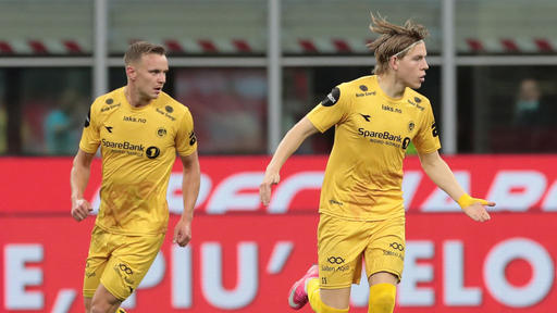 Leeds United Target Jens Petter Hauge Shares Which Club He Wants To Join News Break