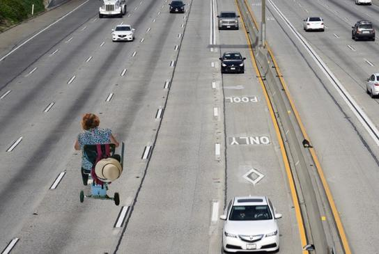 Picture for Watch: Minnesota Woman Dodges Traffic While Riding Shopping Cart On Freeway