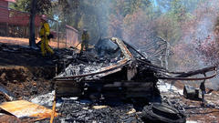 Cover for Fire crews extinguish motorhome fire south of Redding